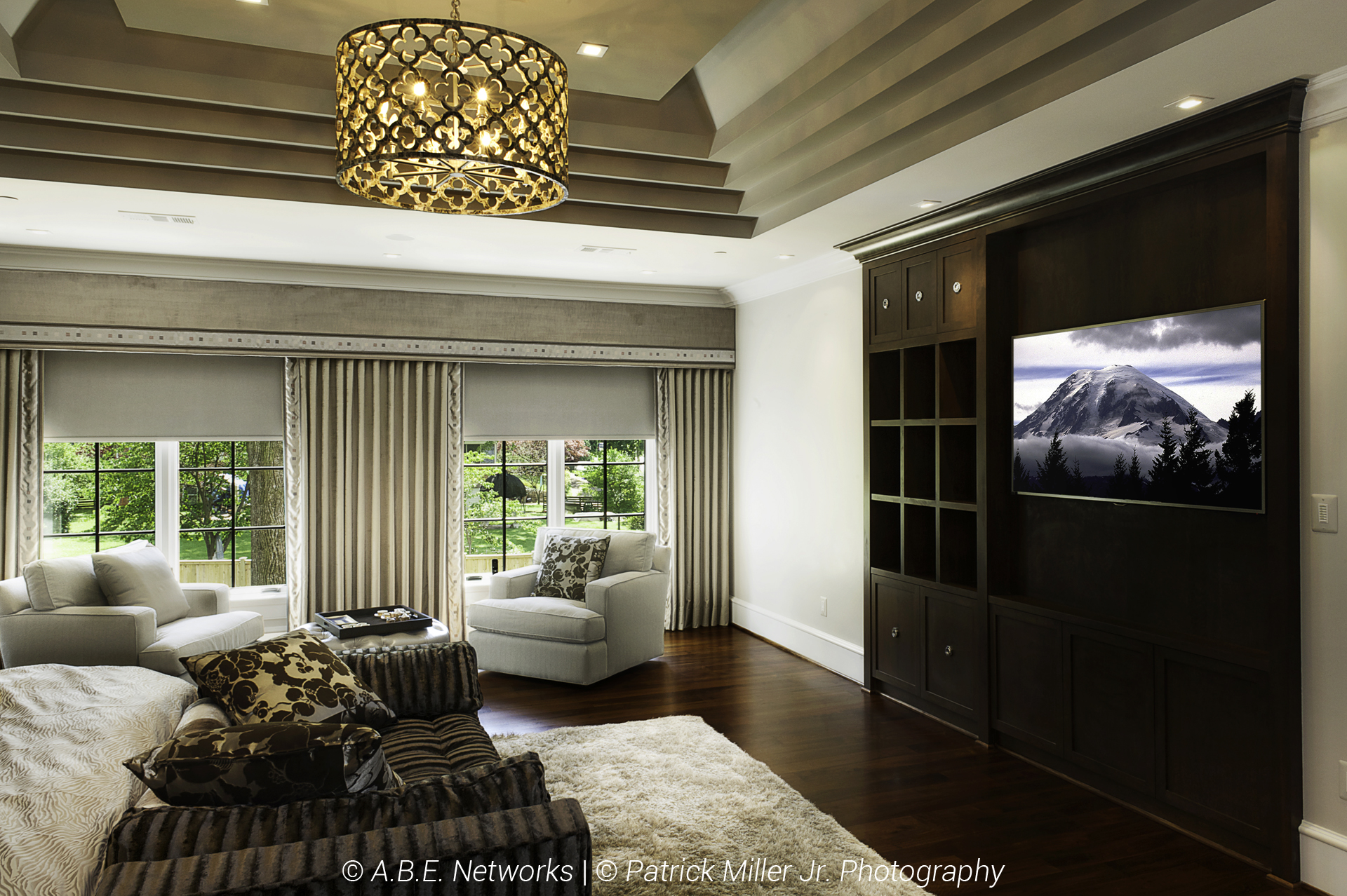 Bedroom Lutron Blackout Shades_Mid