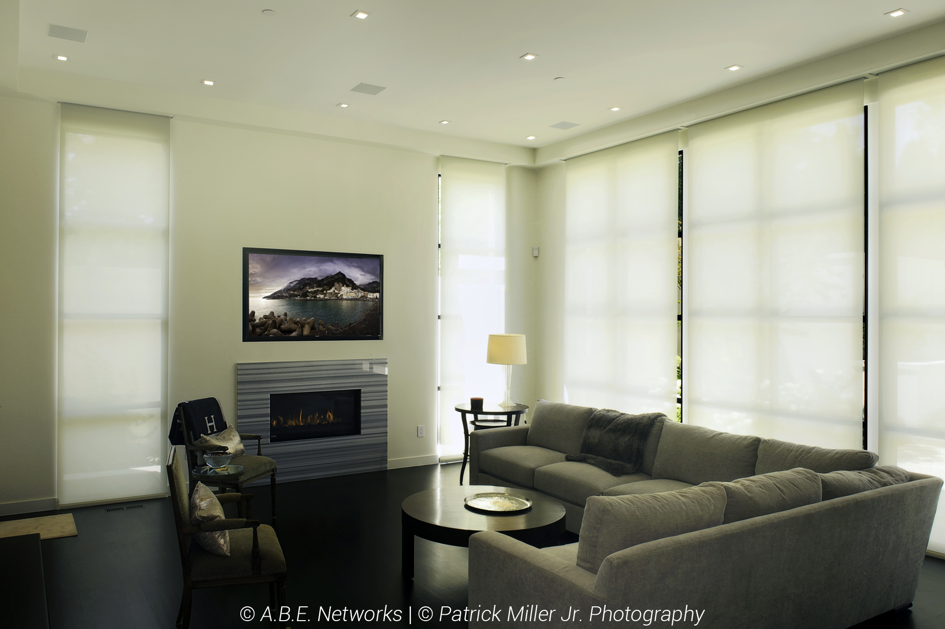 Sonance In-Ceiling Architectural Speakers_In-Wall Niche TV_Lutron Smart Home Lights and Shades_Closed