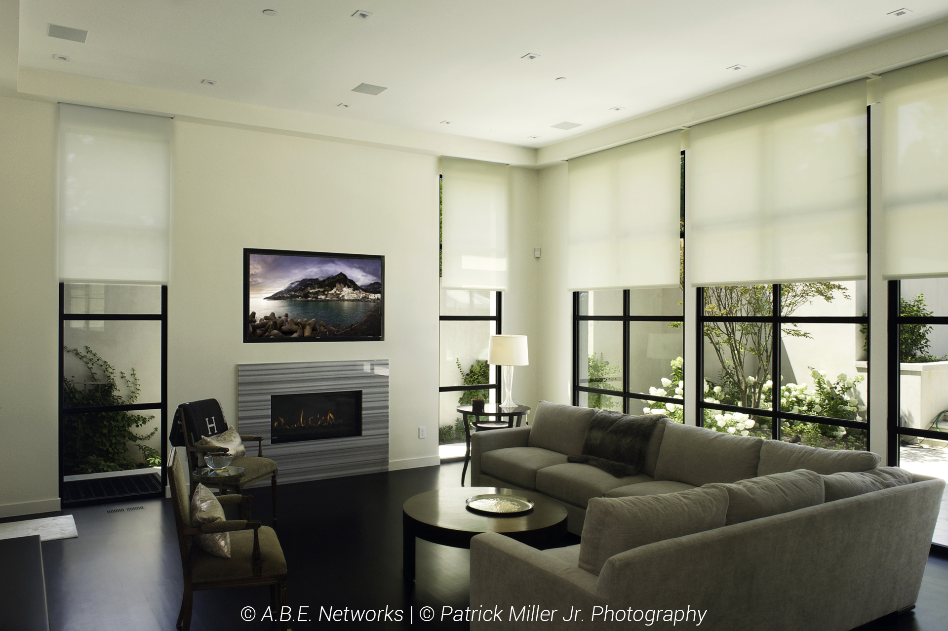 Sonance In-Ceiling Architectural Speakers_In-Wall Niche TV_Lutron Smart Home Lights and Shades_Mid